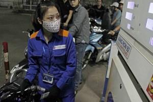 Giá xăng giữ nguyên chi giảm giá dầu ảnh 1