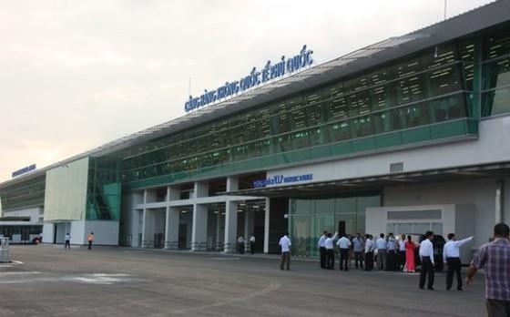 Bộ Xây dựng: Không 'bán' hết sân bay Phú Quốc ảnh 1