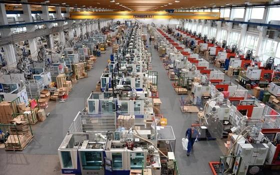 ECB hạ dự báo tăng trưởng kinh tế Eurozone ảnh 1