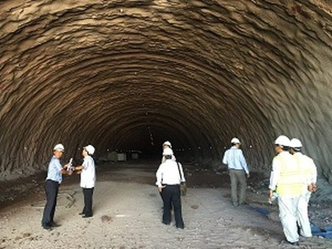 Thông hầm qua núi cao tốc Đà Nẵng-Quảng Ngãi ảnh 1