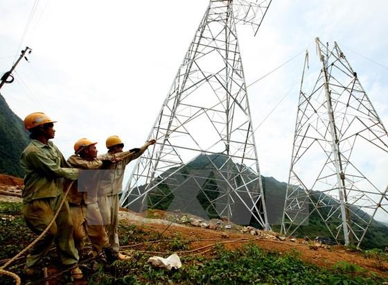 Đường dây 500kV Sơn La-Lai Châu đóng điện ngày 15-10 ảnh 1