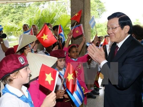 Chủ tịch nước dự diễn đàn DN Việt Nam-Cuba ảnh 1