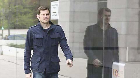 Đầu tư cổ phiếu, Casillas bị lừa nửa triệu euro ảnh 1