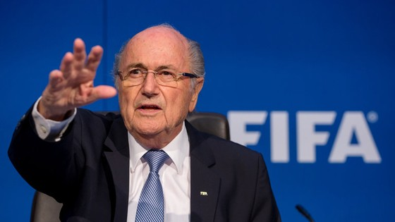 Sepp Blatter bị FIFA đình chỉ hoạt động ảnh 1