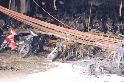200 xe máy, 1 ôtô bị cháy trong chung cư ảnh 1