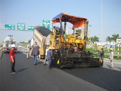 Bảo trì đường bộ xong trước ngày 30-11 ảnh 1