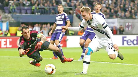 Tottenham, Fiorentina thua sốc Europa League ảnh 1