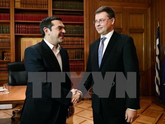 EU thúc Hy Lạp hoàn tất tái cấp vốn ngân hàng ảnh 1
