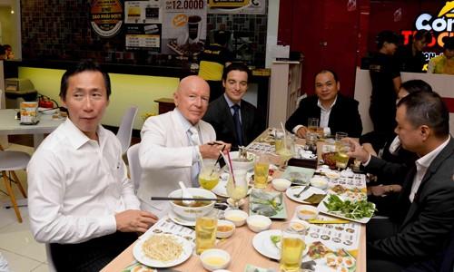 Chuỗi nhà hàng Việt hấp dẫn quỹ ngoại ảnh 1