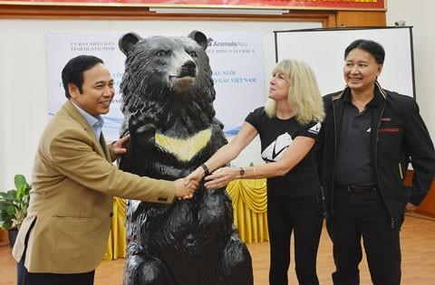 Chấm dứt nuôi nhốt gấu tại Quảng Ninh ảnh 1