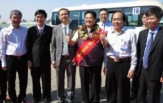 Sân bay Tân Sơn Nhất đón hành khách 25 triệu ảnh 1