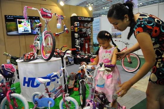 Người dân quan tâm nhiều đến xe đạp cao cấp ảnh 1