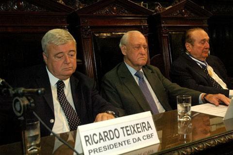Sepp Blatter dính líu hối lộ 100 triệu USD ảnh 2