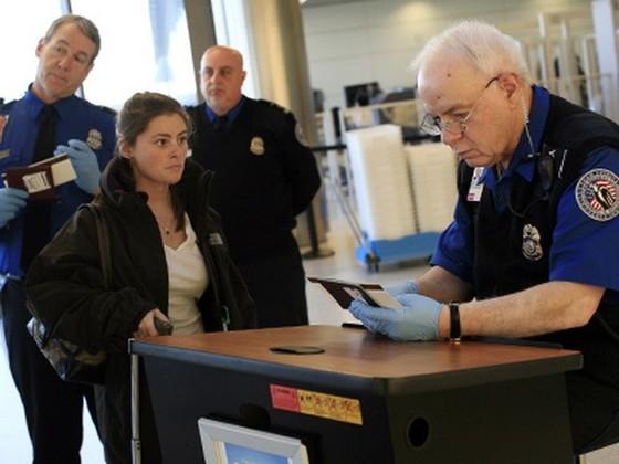 Hoa Kỳ siết chương trình miễn thị thực ảnh 1