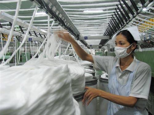 Nghịch lý Trung Quốc tăng nhập khẩu sợi VN ảnh 1