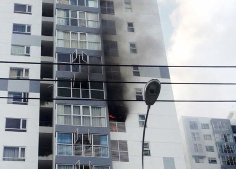 Hỗ trợ căn hộ bị cháy chung cư Hưng Phát 1 ảnh 1