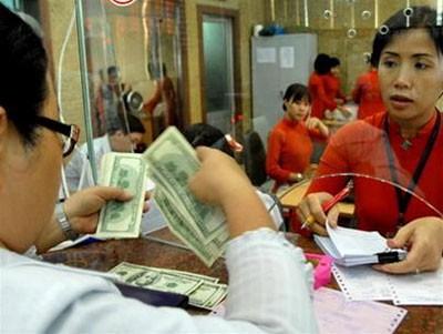Gửi USD ngân hàng không được hưởng lãi ảnh 1