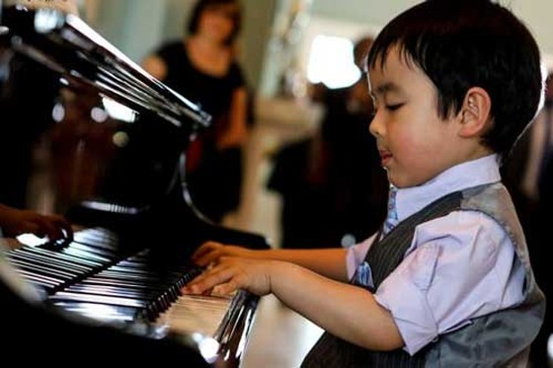 Evan Le: thần đồng piano gốc Việt ảnh 1