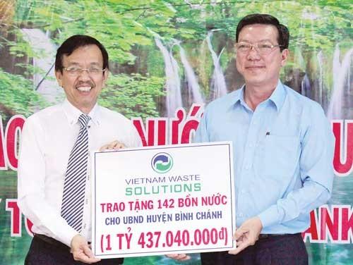 VWS tài trợ bồn nước huyện Bình Chánh ảnh 1