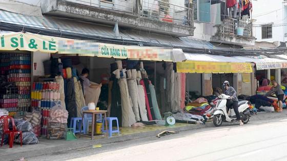 Nguy cơ độc hại quần áo giá rẻ ảnh 1