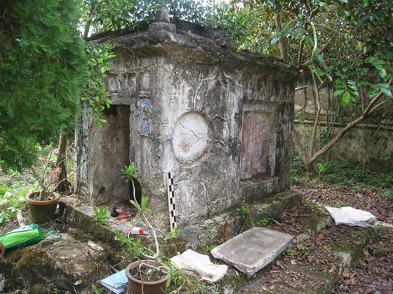 2 tấm bia ở mộ thân mẫu Thoại Ngọc Hầu ảnh 1