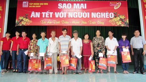 Sao Mai Group ăn Tết Bính Thân với người nghèo ảnh 2