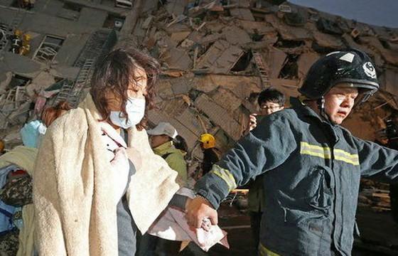 Đài Loan động đất 6,4 độ richter, đổ nhà 17 tầng ảnh 2