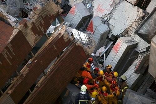 Bé gốc Việt được cứu sau 60 giờ động đất Đài Loan ảnh 1