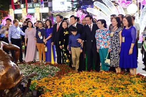 Khai mạc đường hoa Nguyễn Huệ tết Bính Thân 2016 ảnh 1
