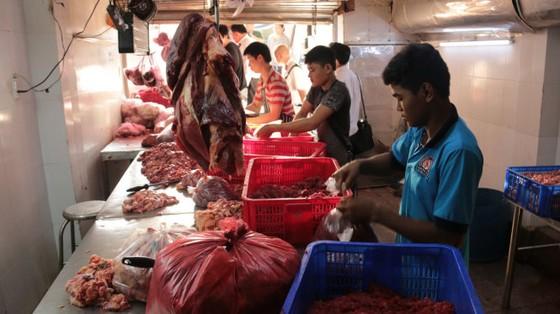 Trắng đêm ngăn thịt bẩn ra chợ ảnh 1