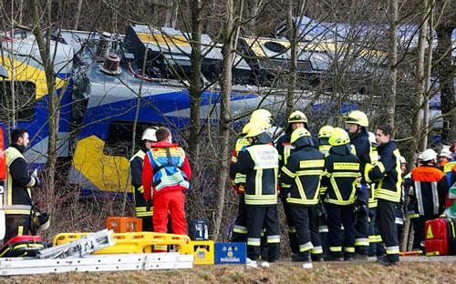 Tai nạn tàu lửa Đức, 9 người chết, 150 người bị thương ảnh 1