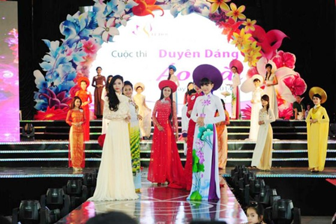 TPHCM: phụ nữ mặc áo dài nhân sự kiện Lễ hội Áo dài ảnh 1
