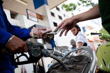 Thuế môi trường đẩy giá xăng tăng kịch trần? ảnh 1
