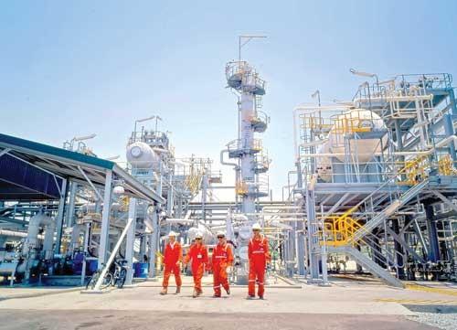 Tác động giá dầu: Khó DN, hụt ngân sách ảnh 1