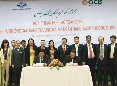 OCB và Trường CĐ Thương mại ký hợp tác toàn diện ảnh 1