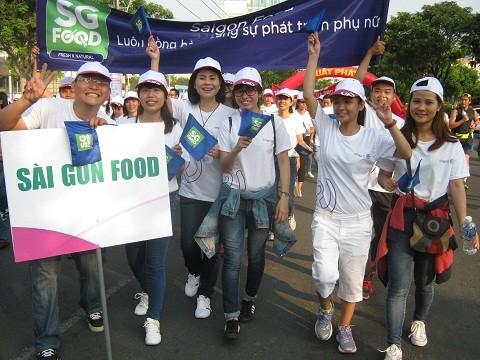 TPHCM: 6.000 người đi bộ vì sự phát triển phụ nữ ảnh 1