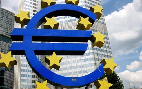 ECB hạ lãi xuất cơ bản mức thấp lịch sử ảnh 1
