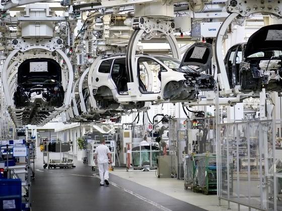 Sản lượng công nghiệp Eurozone tăng nhanh ảnh 1