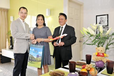 Hành khách Vietjet nhận giải căn hộ Dragon City 2 tỷ đồng ảnh 1