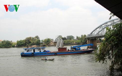 DN thiệt hại nặng sau vụ sập cầu Ghềnh ảnh 1
