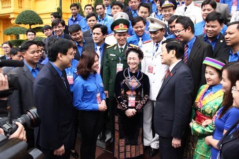 Chủ tịch nước gặp mặt cán bộ đoàn, đoàn viên tiêu biểu ảnh 1