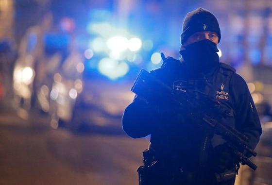 Pháp phá âm mưu khủng bố mới ảnh 1