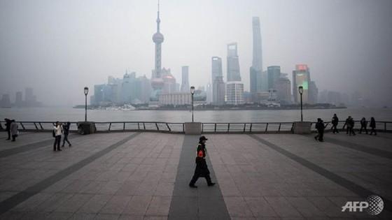 Trung Quốc bị hạ mức tín nhiệm xuống 'tiêu cực' ảnh 1