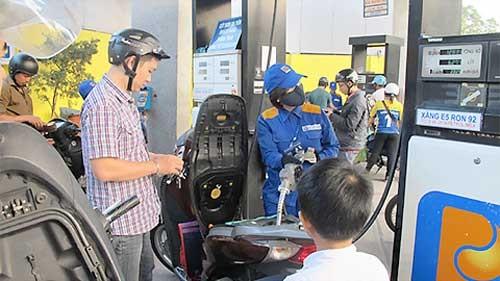 Giá dầu tăng 500 đồng, xăng giữ nguyên ảnh 1