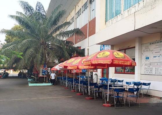 Người kiếm sống ga Sài Gòn lâm cảnh khó ảnh 1