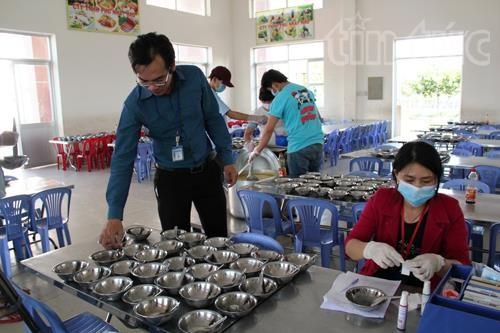 Ngộ độc thực phẩm trường học có xu hướng tăng ảnh 1
