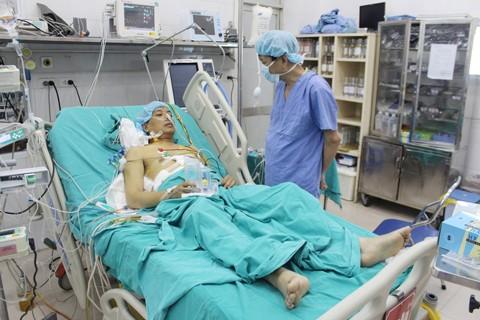 Thực hiện thành công 2 ca ghép tạng xuyên Việt ảnh 1