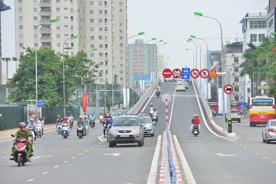 Thông xe cầu vượt Hoàng Minh Giám-Nguyễn Chánh ảnh 1