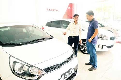 Nhập khẩu ô tô cỡ nhỏ từ Ấn Độ tăng đột biến ảnh 1