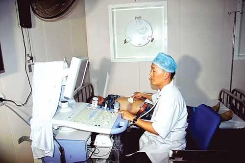 Bệnh viện 5 sao trên biển Đông ảnh 2